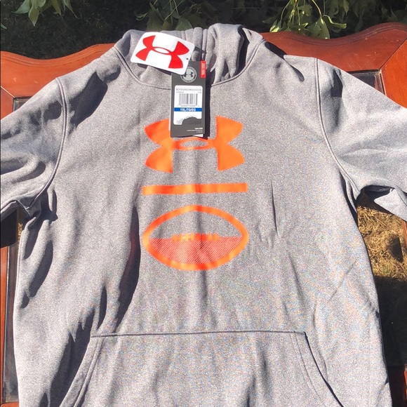 Under Armour Other - Under armour sweater